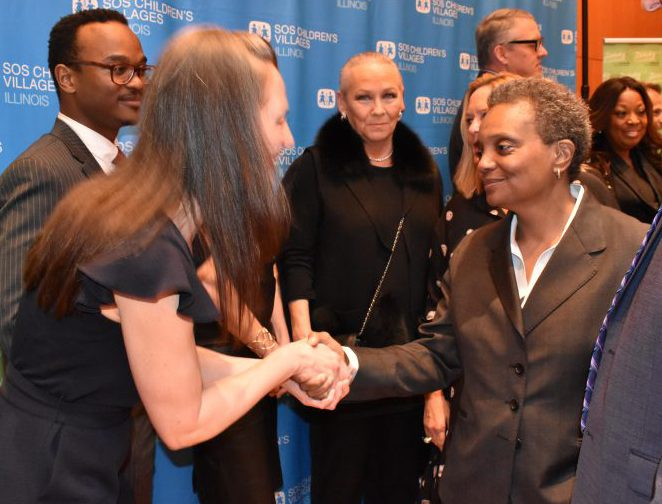 Chicago Mayor-Elect Lightfoot meets Jenny Wray